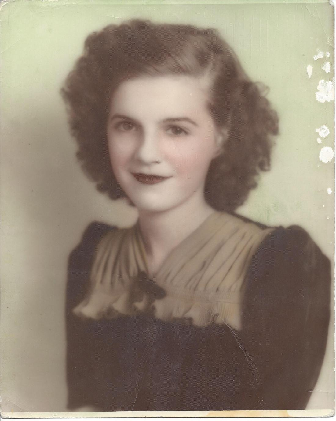 Mom 1947 color