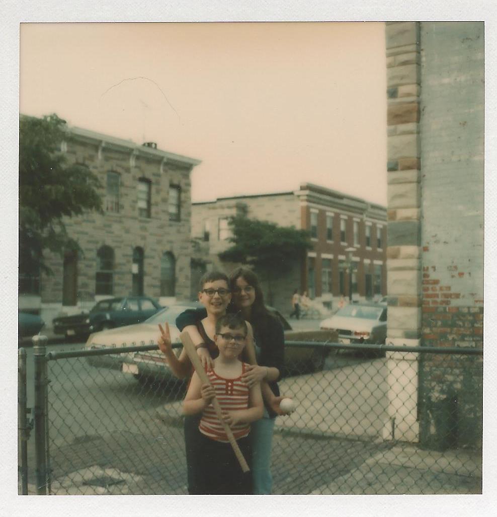 Ann, Jack & Joe Lakewood Ave yard